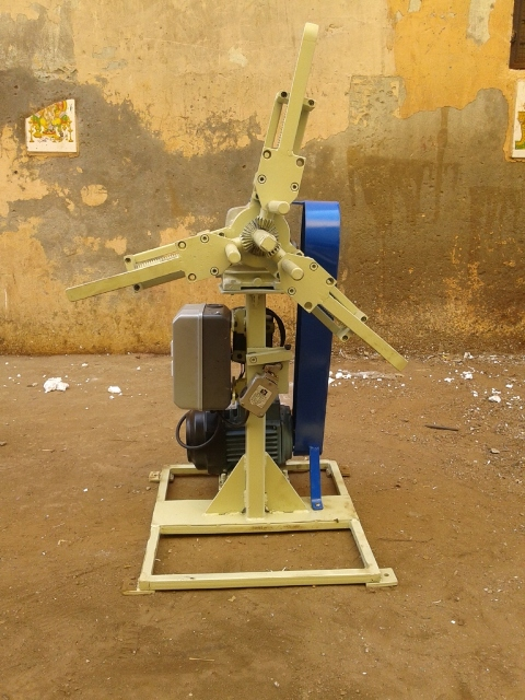Bevel Gear Type Motorised Decoiler